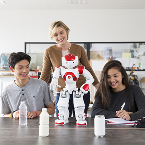 Teach and learn with Pepper and NAO the humanoid and programmable robots of SoftBank Robotics